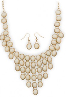 Golden Off White Necklace & Earrings Set